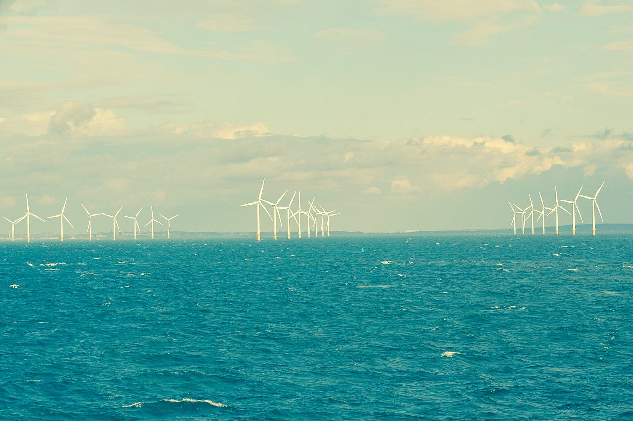Burbo Bank Offshore Windfarm with North Wales behind (Source: Ian Mantel)